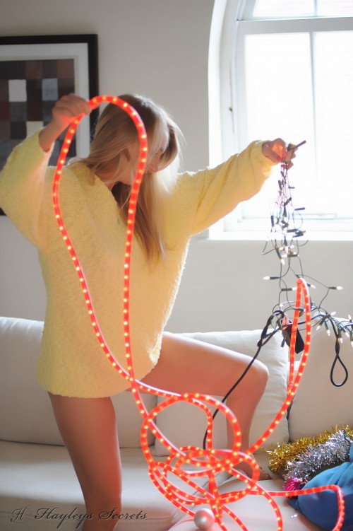 hayley marie coppin - xmas lights PICTURE 3